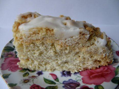 Przepis: Ciasto drożdżowe z kruszonką