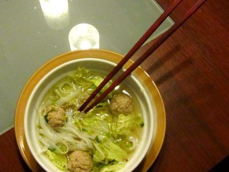 Przepis: Tajska zupa z mięsnymi kulkami
