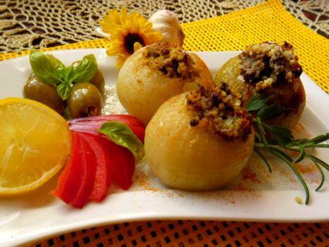 Przepis: Faszerowane cebule