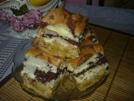 Przepis: Krucho-biszkoptowe ciasto przekładane