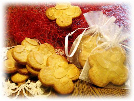 Przepis: Kruche ciasteczka z migdałami