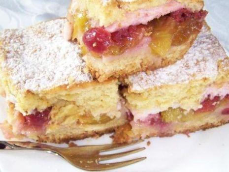 Przepis: Kruche ciasto śliwkowo - wiśniowe