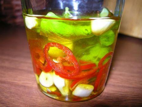 Przepis: Ostra oliwa