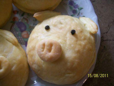 Przepis: Drożdżowe świnki