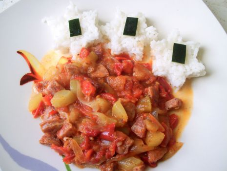Przepis: Cukiniowo pomidorowe leczo z białą kiełbasą
