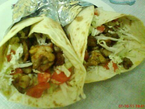 Przepis: Tortilla meksykańska z sosem czosnkowym