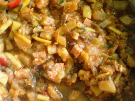 Przepis: Bigos z cukinii i fasolki szparagowej