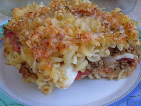 Przepis: Zapiekanka z jajkiem i pomidorem