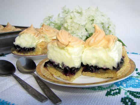 Przepis: Ciasto jagodowe z bezą