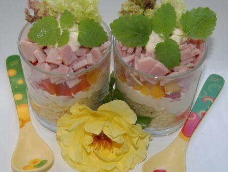 Przepis: Sałatka z kuskusu i szynki