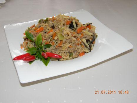 Przepis: chińszczyzna z zupkami chińskimi