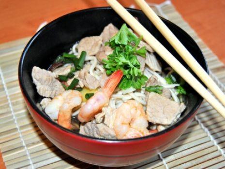 Przepis: Zupa z Wieprzowiną i Krewetkami