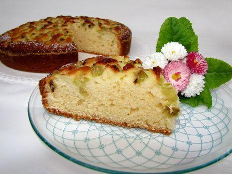Przepis: Jogurtowe ciasto z rabarbarem
