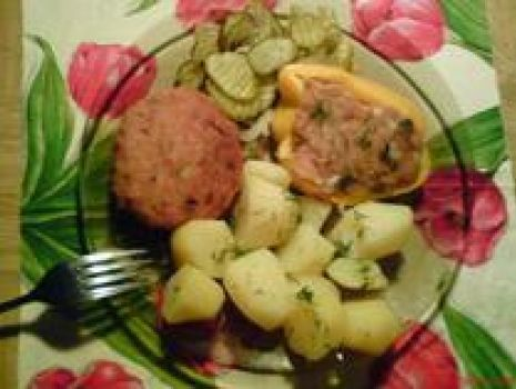 Przepis: Papryka z mięsem mielonym i pieczarkami