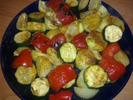 Przepis: Warzywna sałatka prosto z grilla