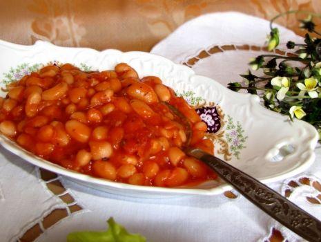 Przepis: Fasola w pomidorach