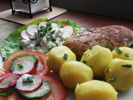 Przepis: Sos chrupki do mięs pieczonych i ziemniaków.