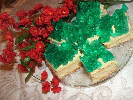 Przepis: Ciasto z kremem i galaretką