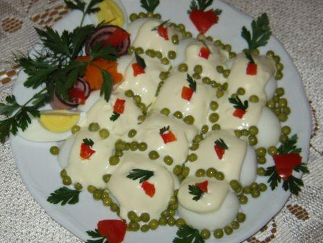Przepis: Faszerowane jajka w majonezie