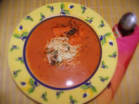 Przepis: Pomidorowa z makaronem