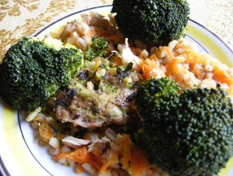 Przepis: Zapiekanka z brokułem pod sosem beszamelowym