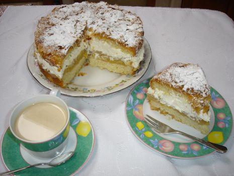 Przepis: Ciasto jabłkowo- śmietankowe