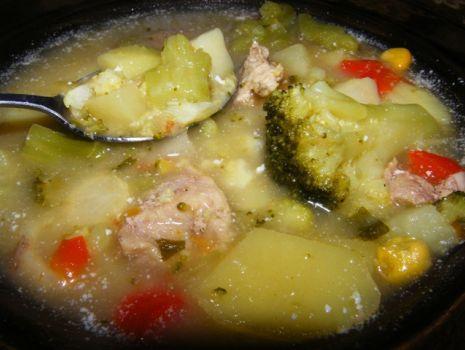 Przepis: Zupa brokułowa z mięsem