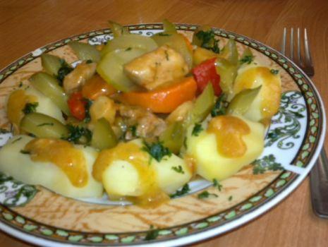 Przepis: Gulasz  z warzywami