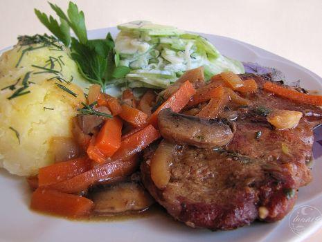 Przepis: Musztardowa karkówka z warzywami