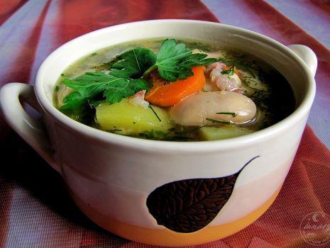 Przepis: Zupa fasolowa na żeberkach