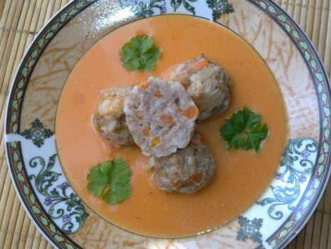 Przepis: Pulpeciki z warzywami w sosie pomidorowym