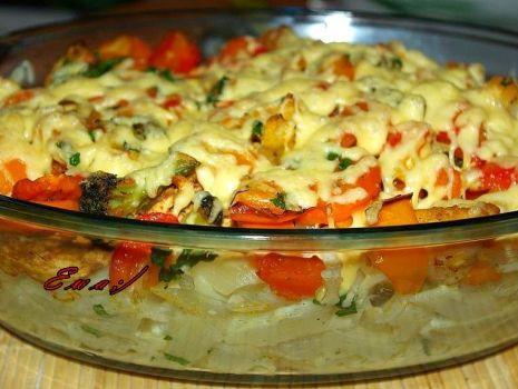 Przepis: Zapiekanka z makaronem,kurczakiem i warzywami