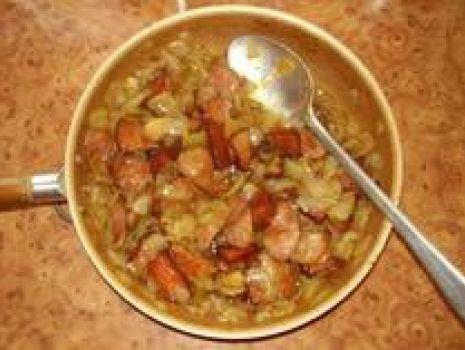 Przepis: Duszona cebulka z mięsem