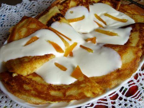 Przepis: Naleśniki z serem i bitą śmietaną