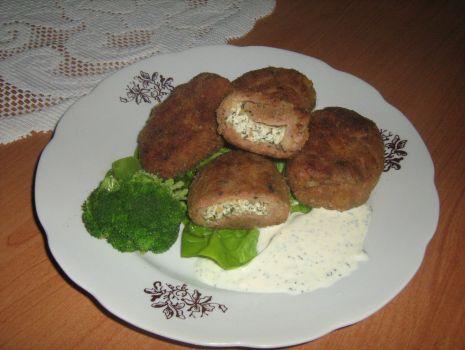 Przepis: Kotleciki nadziewane serem