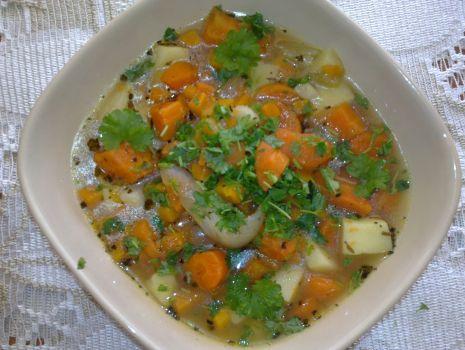 Przepis: Aromatyczna zupa marchewkowa