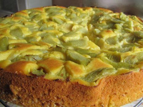 Przepis: Dietkowe ciasto z rabarbarem