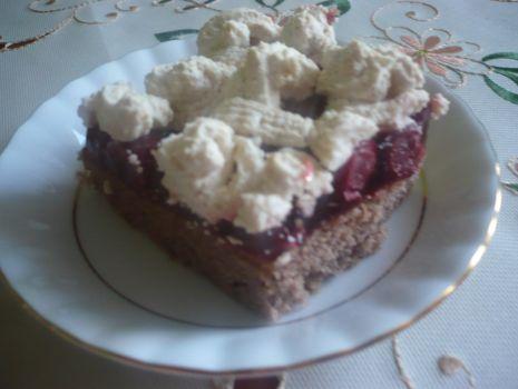 Przepis: Ciasto z wiśniami i korzenną nutą