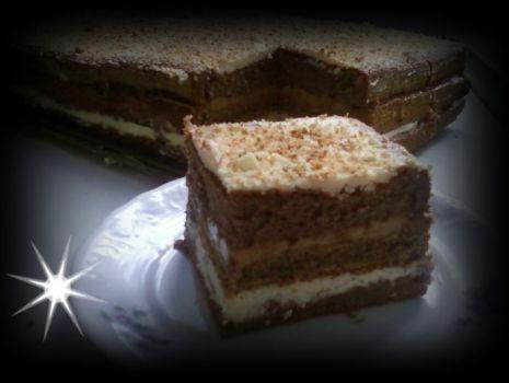 Przepis: Ciasto z masą grysikową i piernikami
