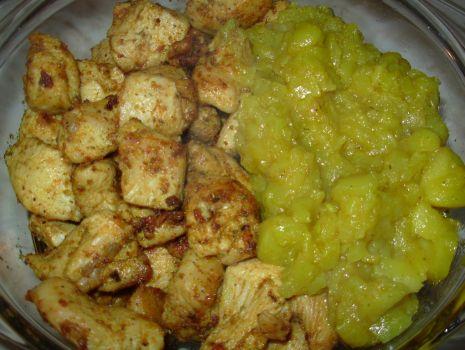 Przepis: Kurczak w sosie słodko kwaśnym z jabłkami, cebulką z curry