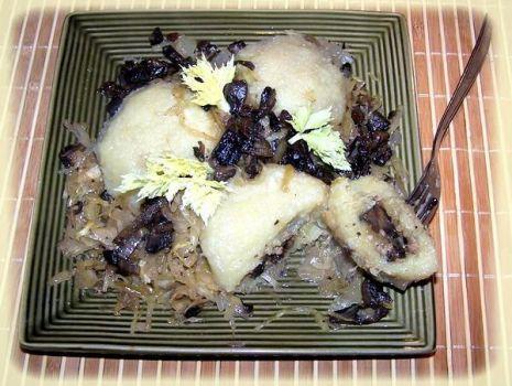 Przepis: Kluchy nadziewane mięsem z grzybami