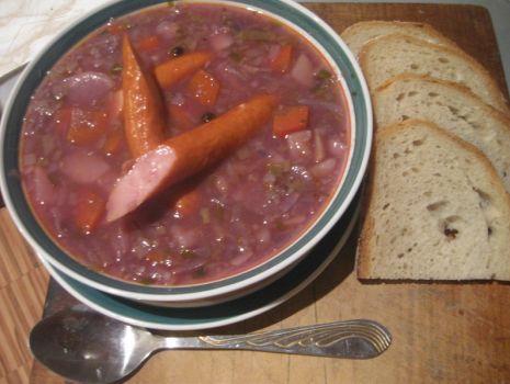 Przepis: Zupa z czerwoną kapustą
