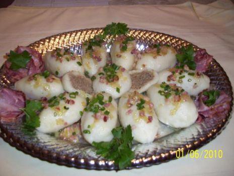 Przepis: Knedle ziemniaczane z mięsem