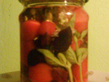 Przepis: Marynowane pomidory