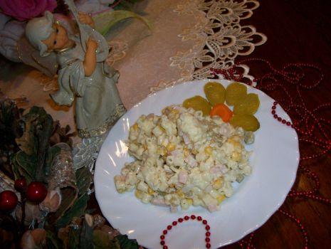 Przepis: świąteczna sałatka z makaronem