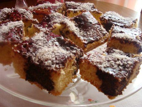 Przepis: Ciasto z makowymi kulkami