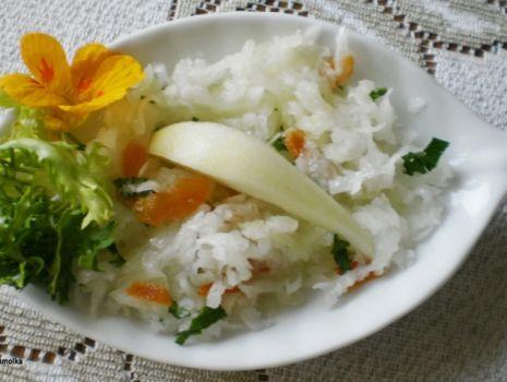 Przepis: Biała rzodkiew z owocami :