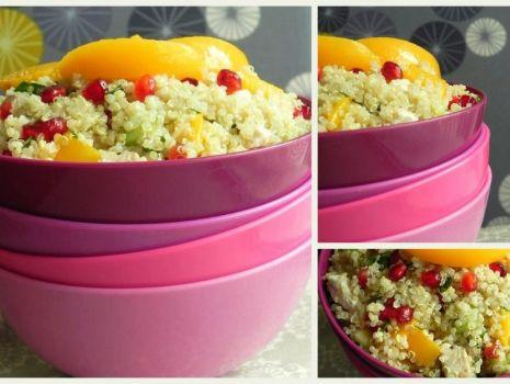 Przepis: Sałatka z quinoa, kurczakiem i owocami