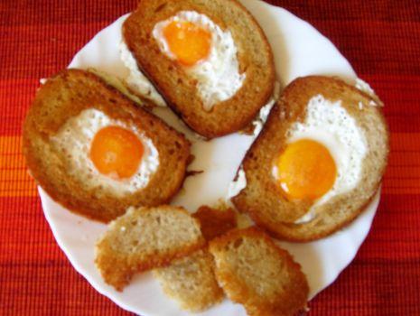 Przepis: Jajko w chlebie :)