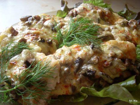 Przepis: Leszcz zapiekany z grzybami i serem